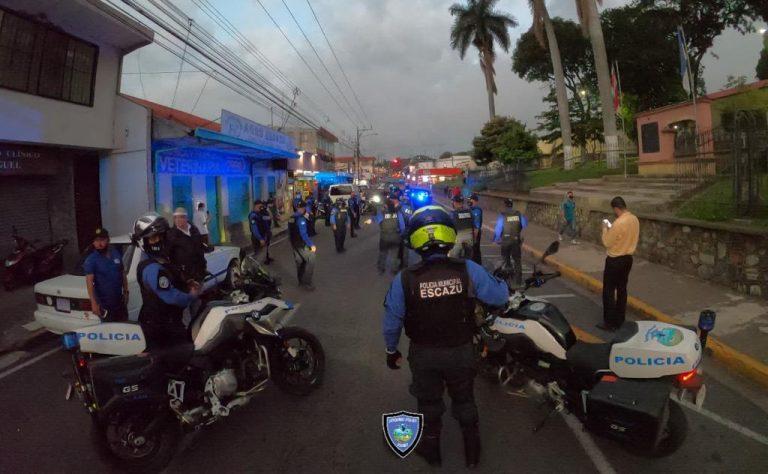 Escazú Municipal Police calls on residents to stay at home
