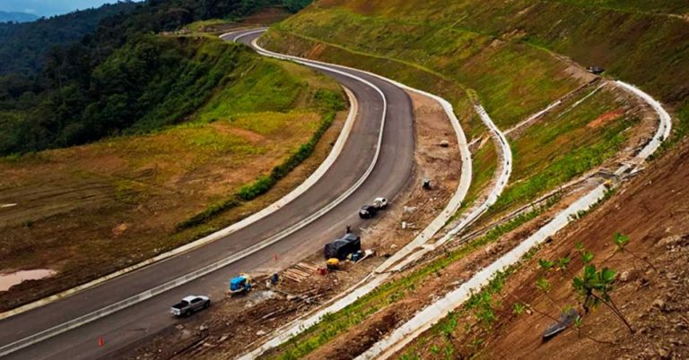Costa Rica is the Latin American country with the worst paved roads