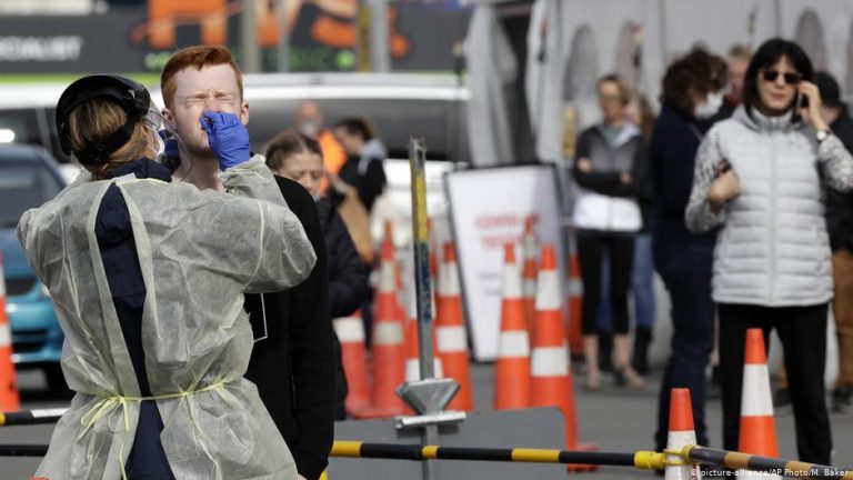 Coronavirus: New Zealand sees new community transmission