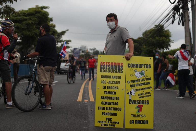 Protests against health measures turned to violence