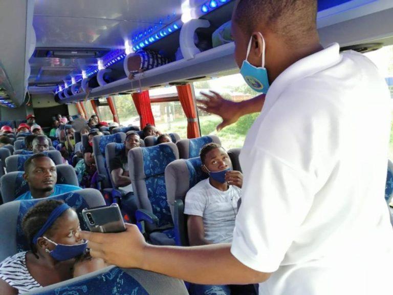 97 Haitian migrants in Golfito were transferred to La Cruz in Guanacaste