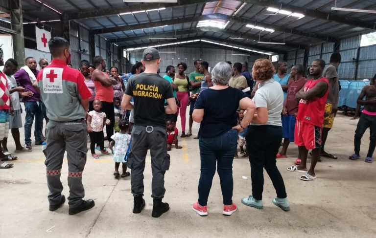 Immigration keeps an eye on the caravan of migrants heading to Peñas Blancas