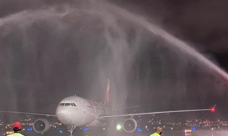 First flight lands at San Jose Airport 137 days after pandemic restrictions