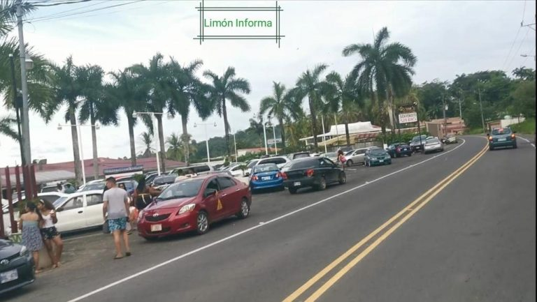Limon closes beaches and parks for a month