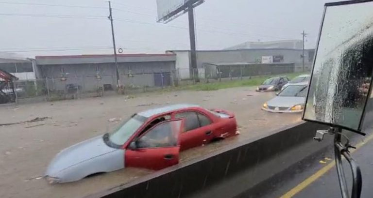 Autopista General Cañas flooded by Tuesday afternoon rains (Photos)