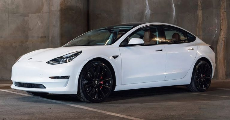 EV Imports brings the Tesla Model 3 to Costa Rica
