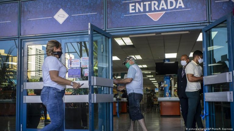 The dollar determines Cubans' everyday lives