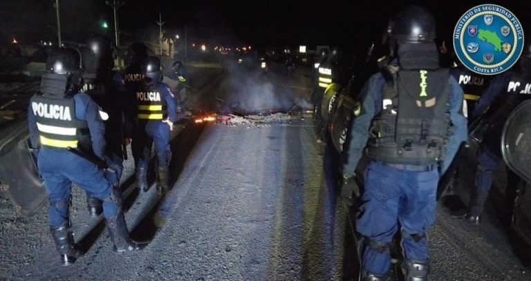 """Police identify infiltrated drug traffickers using blockades to """"divert police"""""""