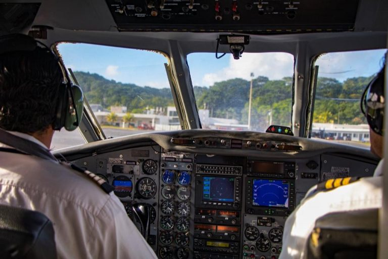 Costa Rica opens air borders to Central America