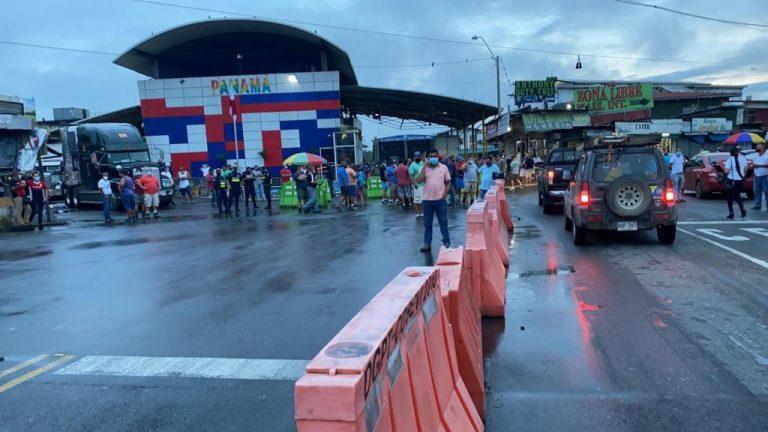 Passage at the southern border blocked again