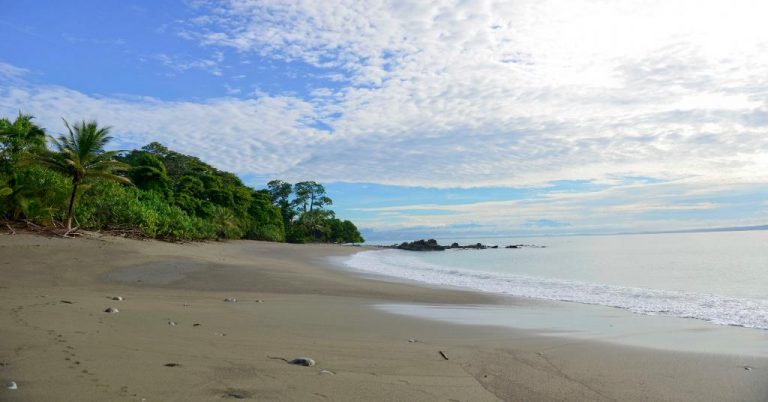 Costa Rica extens hours on beaches