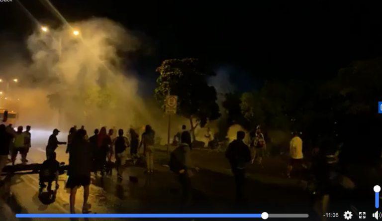 15 police beaten in Guácimo; riot police intervene blockage in Caldera