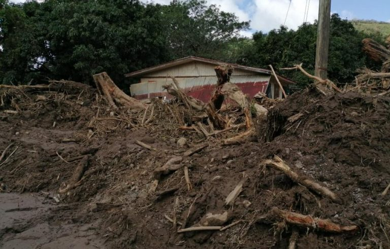 Rains keep 27 isolated communities and 987 people in shelters