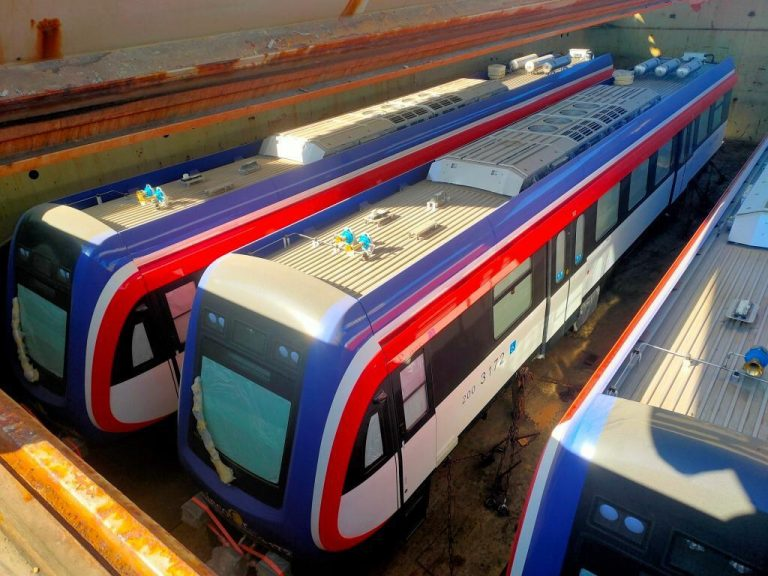 This is how the new Incofer trains travel from China (photos)