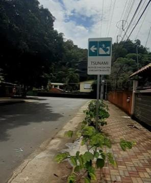 Quepos, Esterillos, Jacó and Tivives have signage and sirens to alert in case of Tsunami