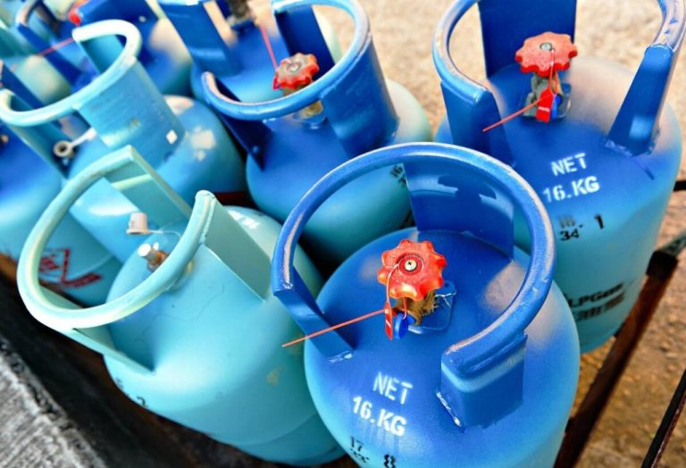 Gas companies must change cylinder valves, not users