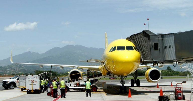 Costa Rica recovers air routes, but international tourism remains lukewarm
