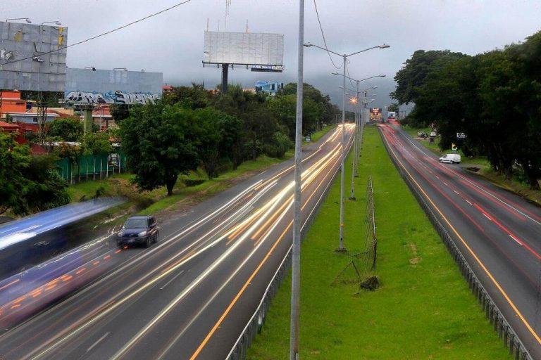 The Florencio del Castillo: the road that connects San Jose and Cartago