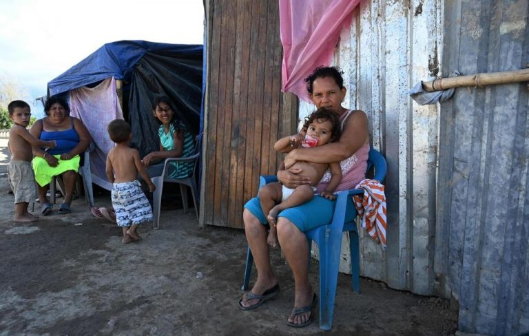 Cyclones and Trump's departure fuel dreams of Central Americans to go to the United States