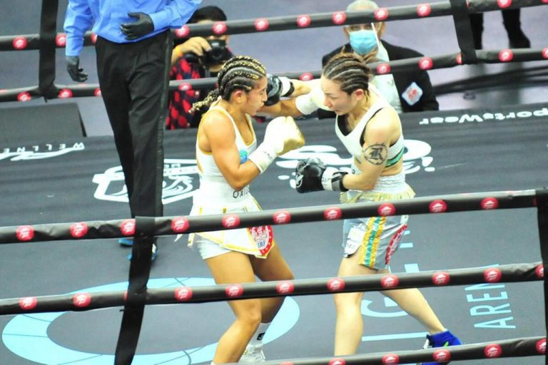 Yokasta Valle successfully defended her World Title  (Photos)