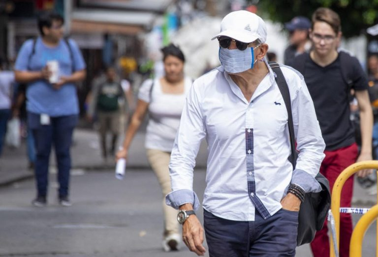 Specialist: unnecessary for Costa Ricans to use two masks at this time