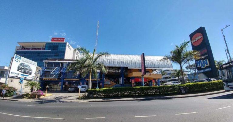 Icon store Muñoz and Nanne to close