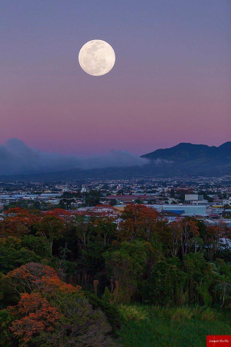 The moon over San Jose