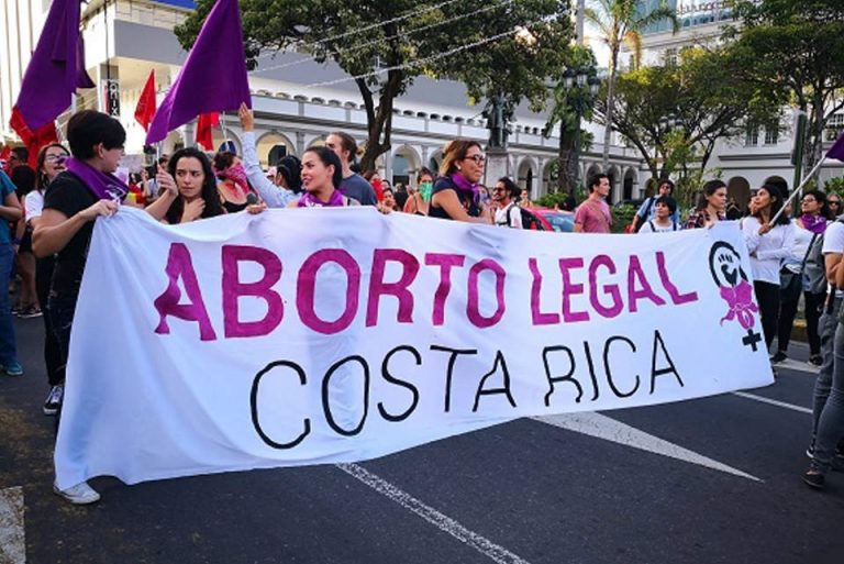 """Collective promotes popular initiative for """"legal, safe and free"""" abortion in Costa Rica"""