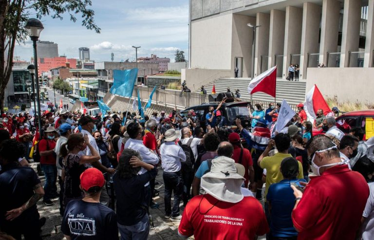 IMF-Backed Bill Sets Up Clash With Costa Rica's Powerful Unions