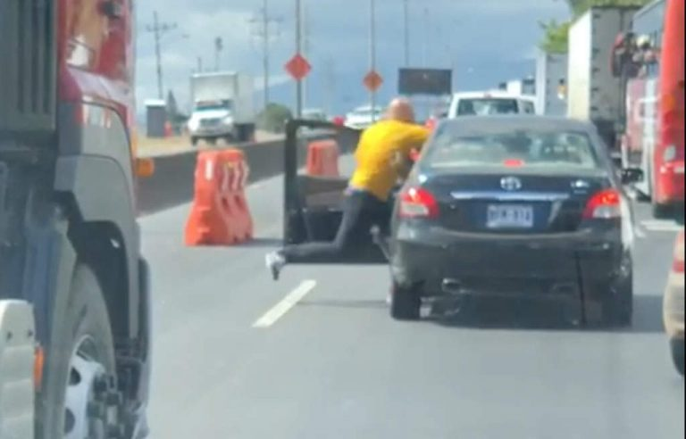 Driver who severely beat anoter driver on the Autopista fired and being sued
