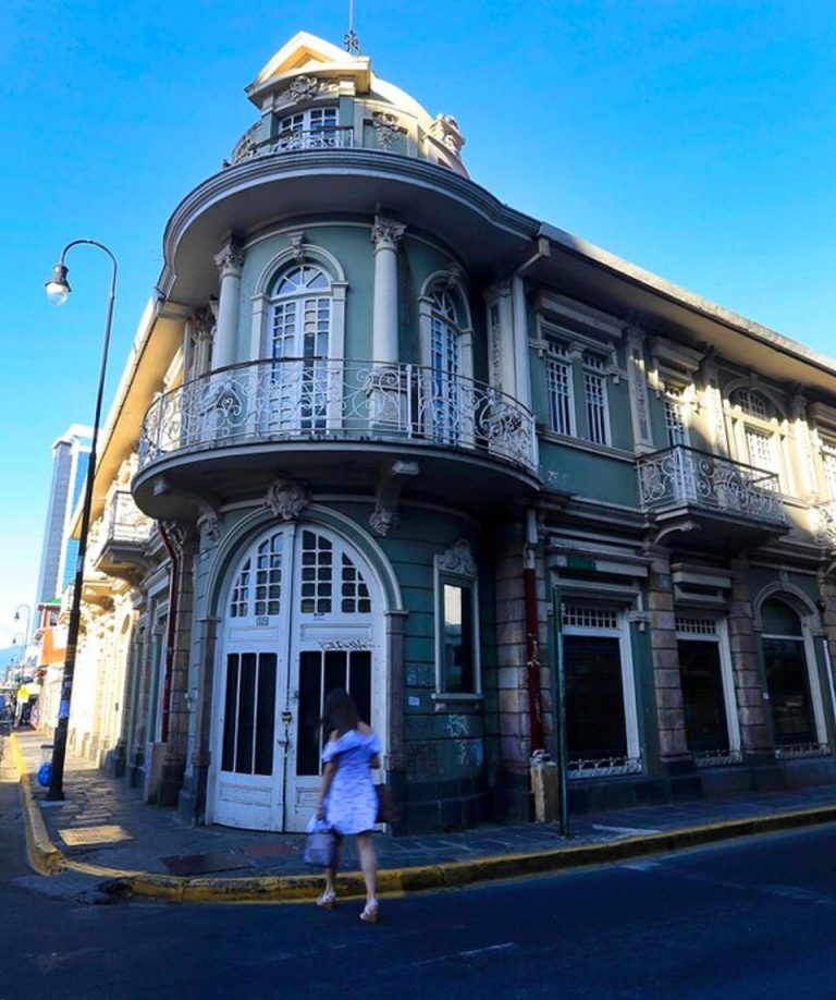 10 historic buildings that survive in chaotic San José