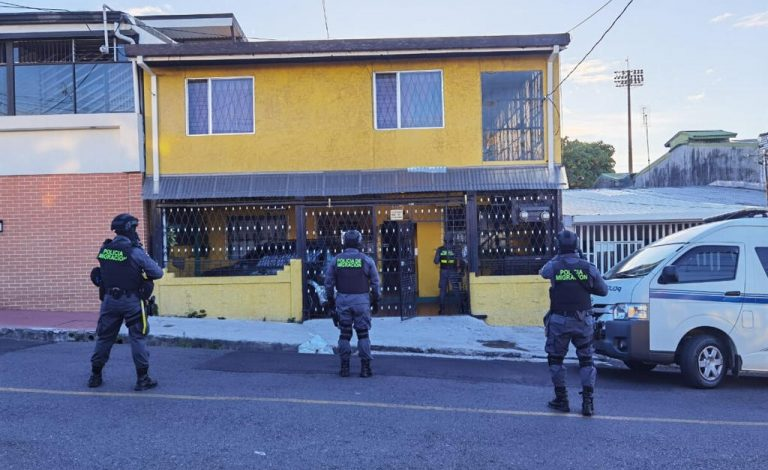 Police capture 'supplier' of passports, identity cards and Costa Rican licenses to foreigners