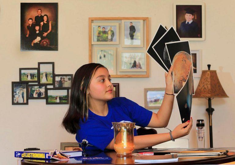 Victoria, the Costa Rican girl who dreams of being a NASA astronaut