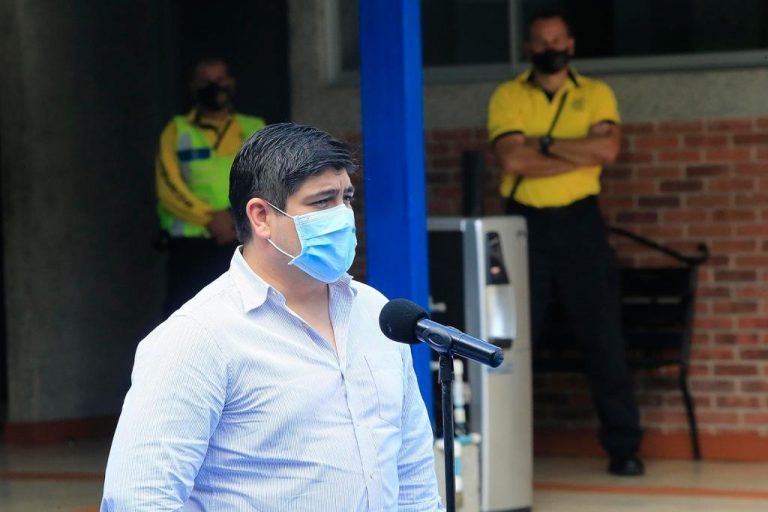 """Carlos Alvarado: """"If we don't give stability to the economy, everything will go to hell"""""""