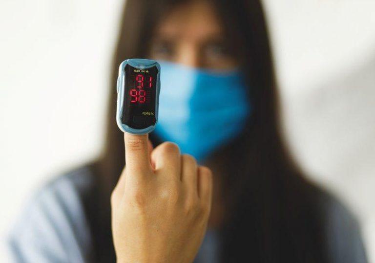 Shortness of breath and five other symptoms that warrant getting medical attention