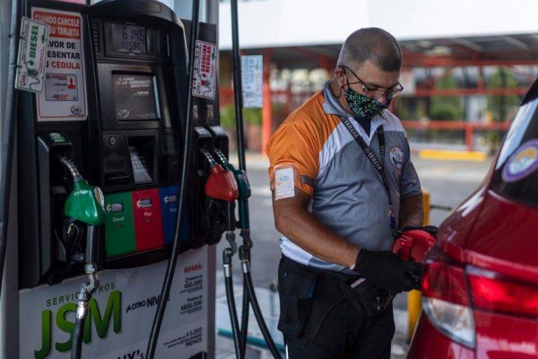 Super gasoline costs today ¢700!