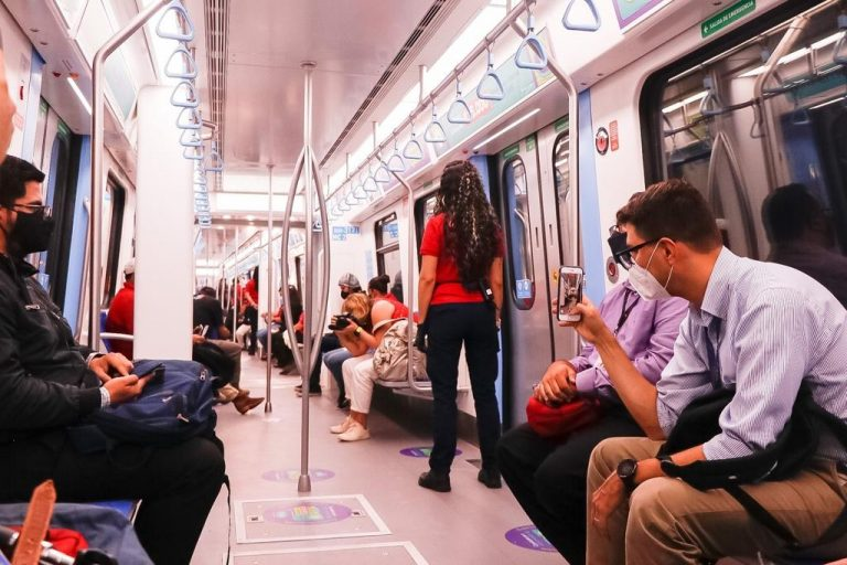 New trains surprised users, who ask Incofer to extend hours of service