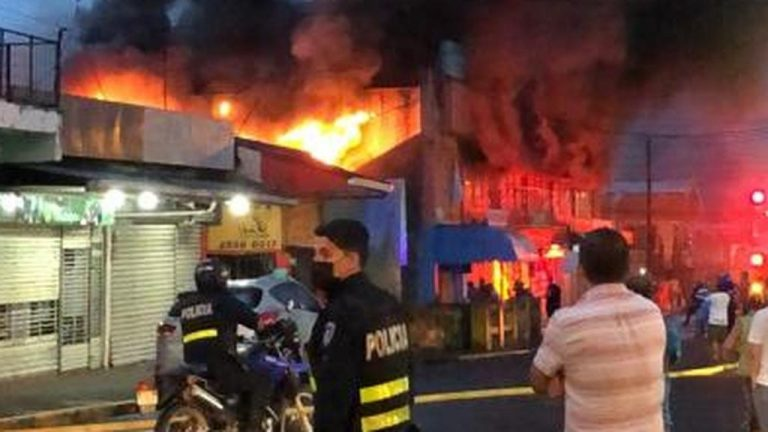 Fire consumes part of Turrialba market