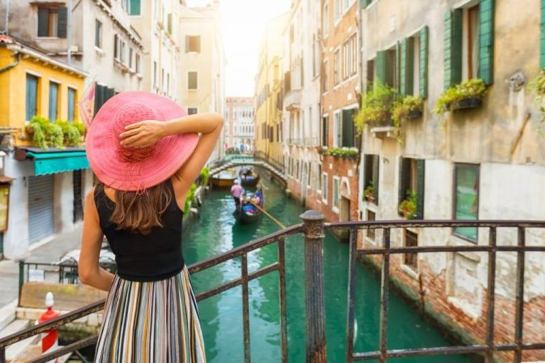 Europe opens the doors to tourism, these are the requirements