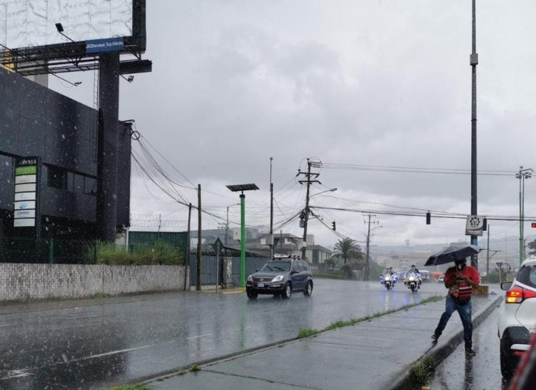 Week immersed in passage of tropical wave, June Solstice and Veranillo