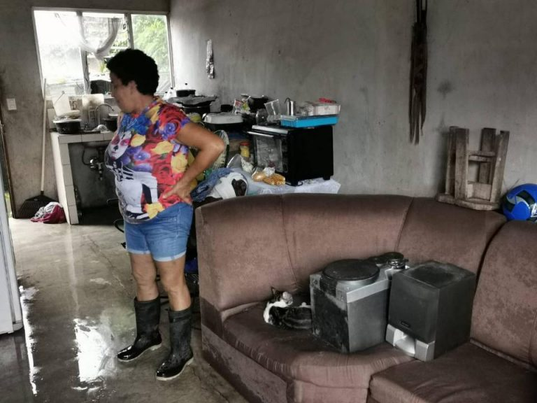 Storm leaves closed roads, collapsed bridges and flooded Turrialba
