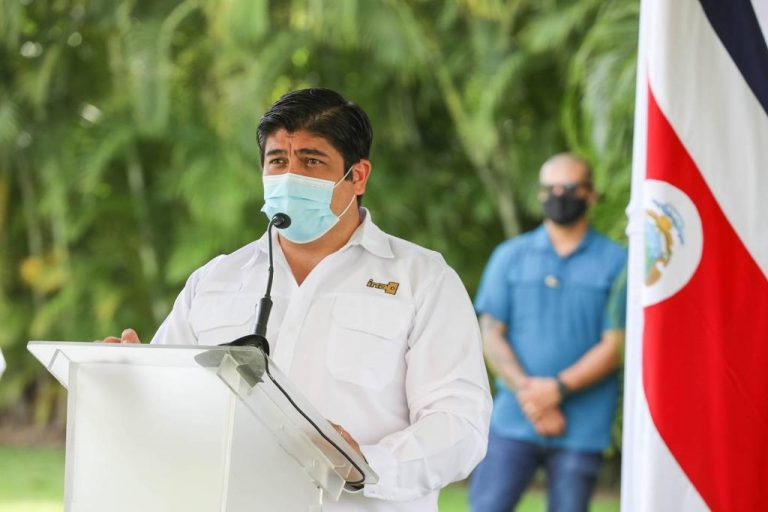 Carlos Alvarado foresees the lifting of sanitary restrictions for the last quarter