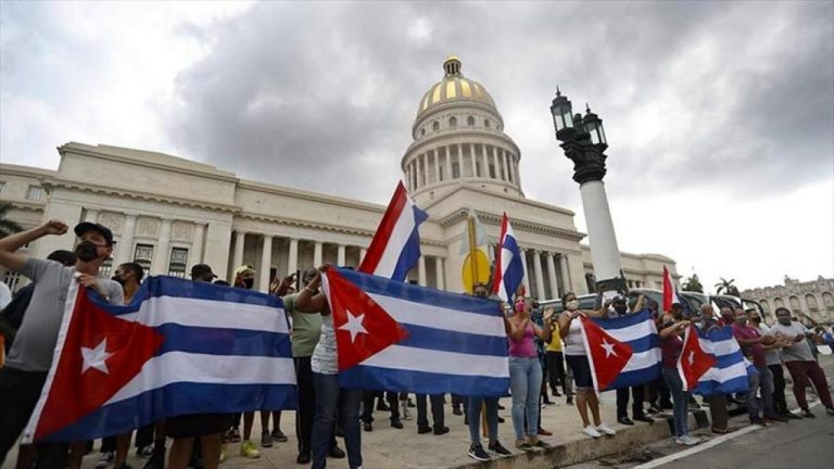 Protests in Cuba: a man died amid clashes with the police