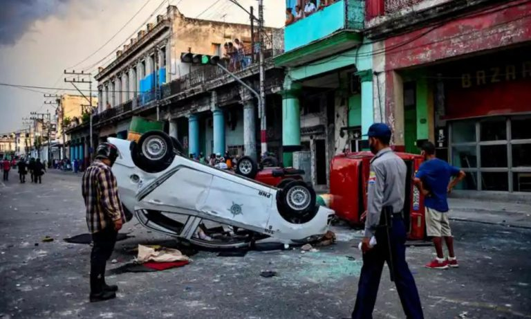 Cuba asks for freedom: the pandemic unleashes an unprecedented anti-government protest