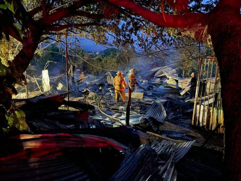 Fire destroys 10 houses in Alajuela precario