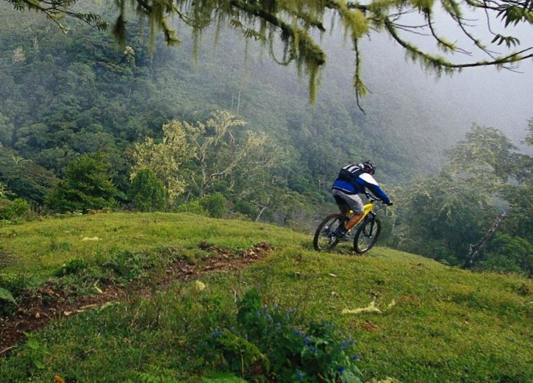 Spanish edition of Men's Health magazine recognizes Costa Rica as the best healthy destination
