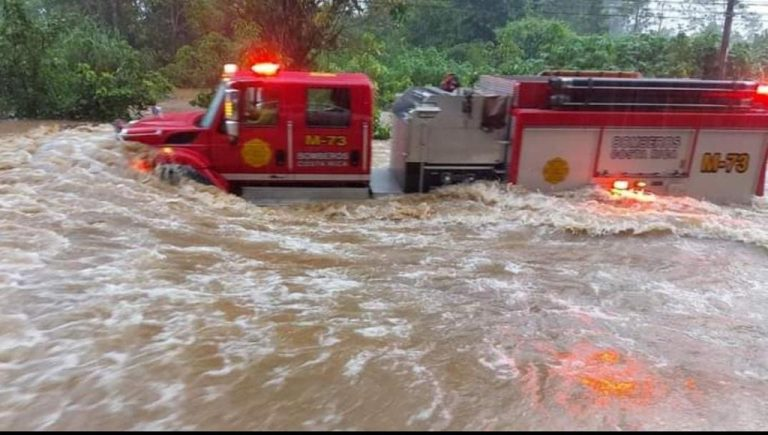 Rains and Floods leave mark of their fury in Costa Rica  (Photos)