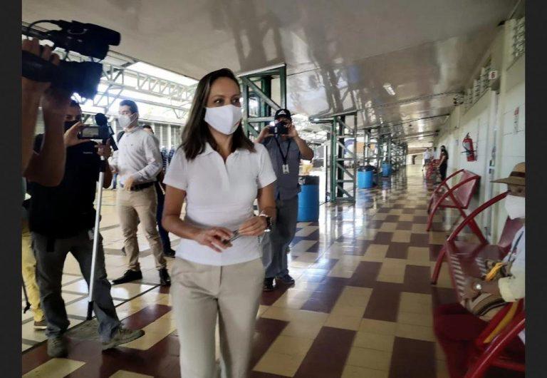 Carolina Hidalgo accepts defeat and criticizes the PAC's debt to women