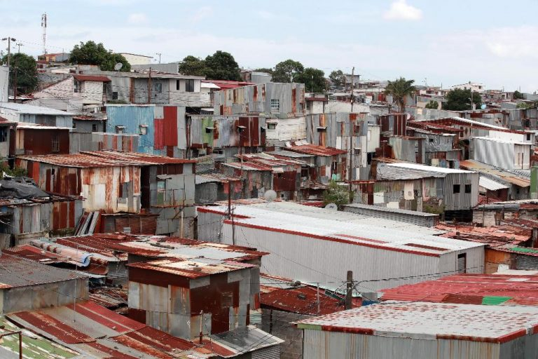 300,000 Costa Ricans lived in the worst conditions during the confinement of the pandemic