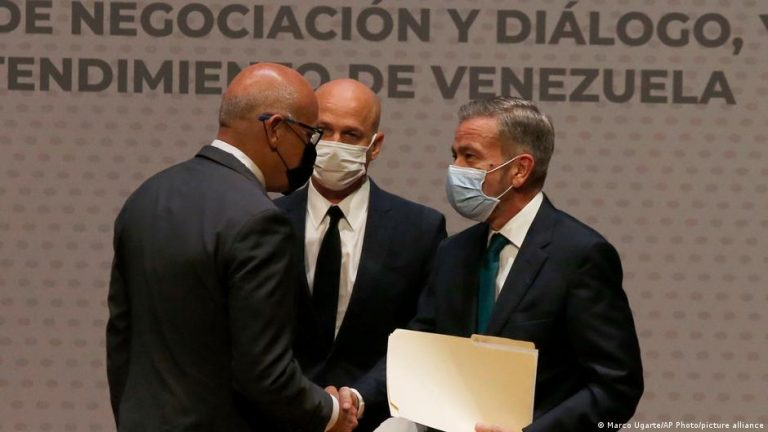 Venezuela government, opposition return to talks in Mexico